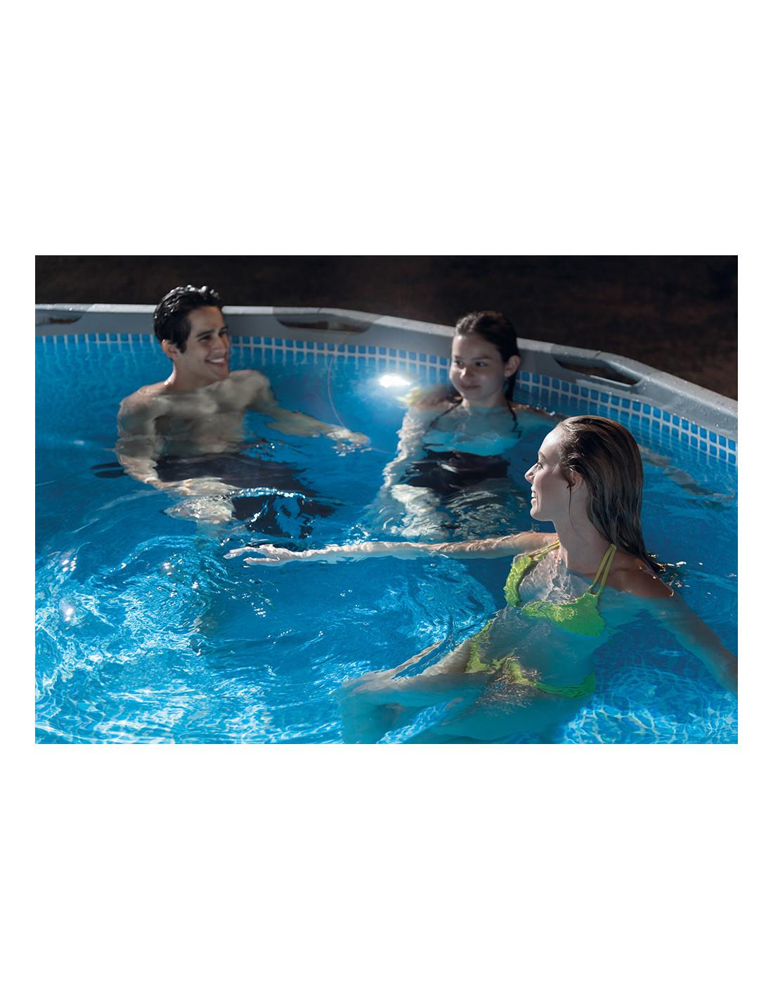 Lampe pour piscine beautiful nous with lampe pour piscine for Piscine hyper u