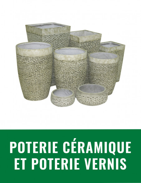 Poterie céramique et poterie vernis